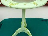 mobile-decorato-tavolino-lato